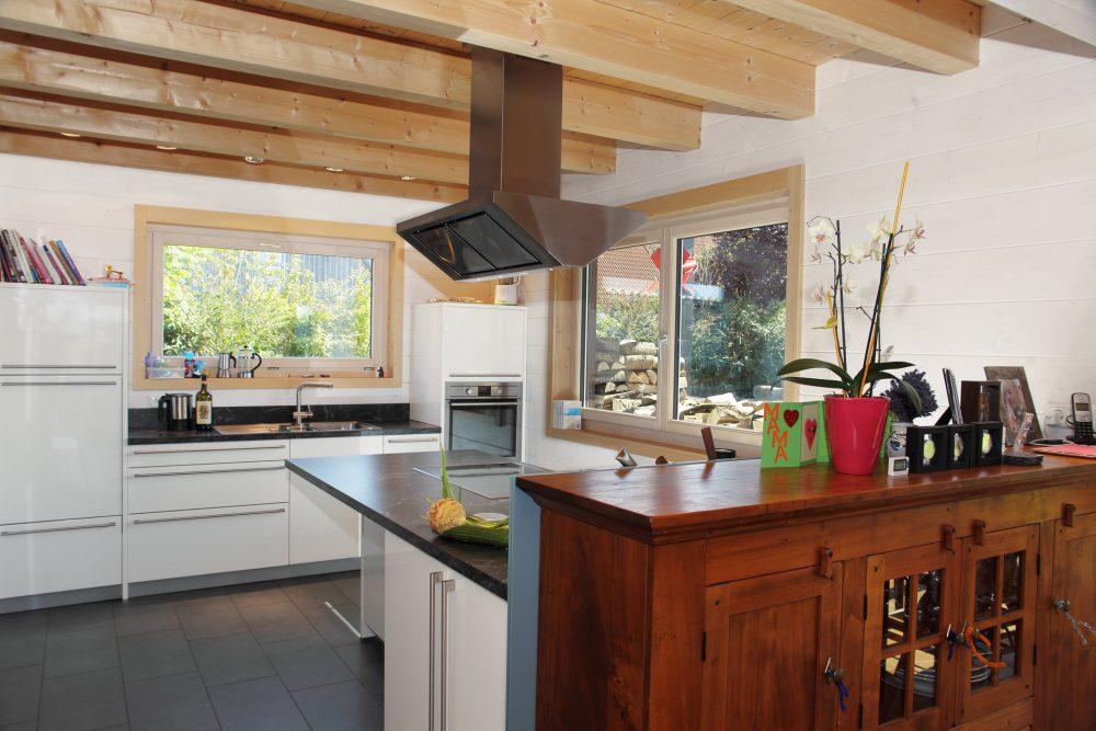 Blockhaus innen Küche