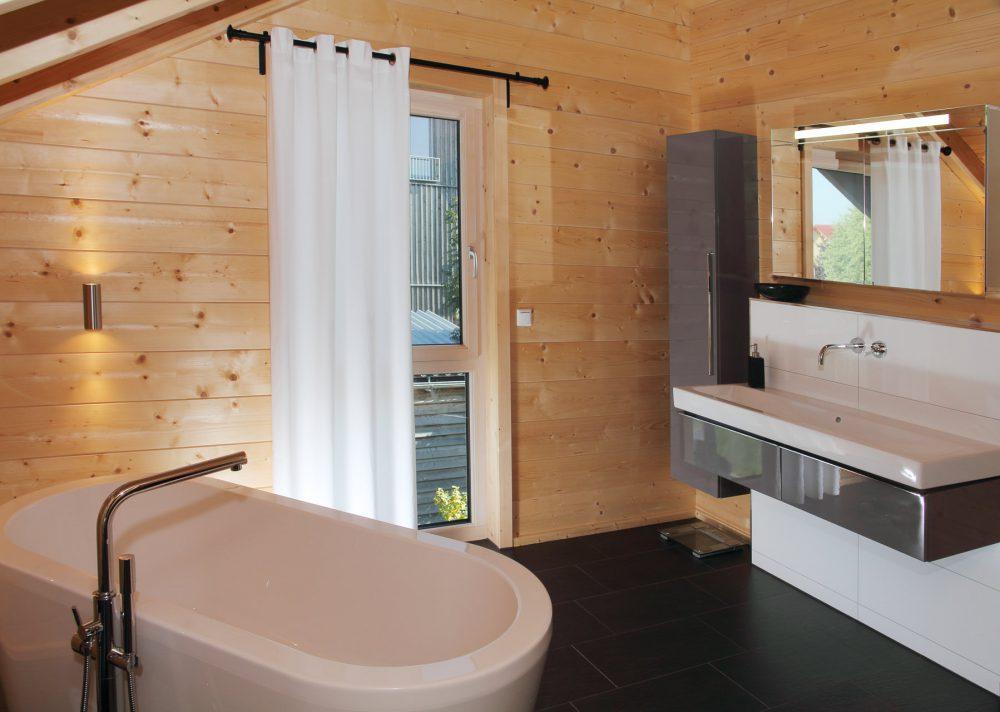 Holzhaus von innen Badezimmer