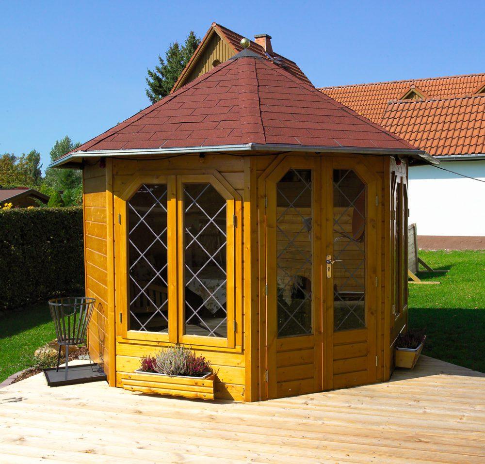 extravagante Gartenhütte aus Holz